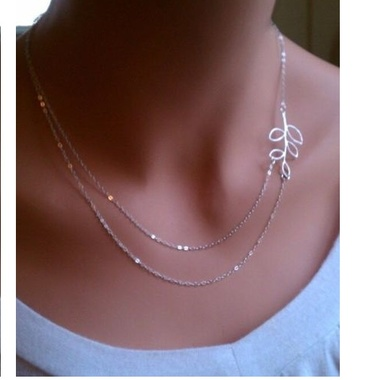 Gifts 4 All - Beautiful Silver Tone Double chain leaf necklace