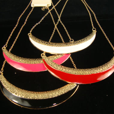 Gifts 4 All -  Gold Tone Chain Necklace with Moon Shape