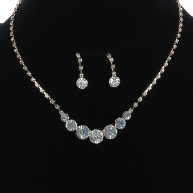 Gifts 4 All - Crystal Necklace Set